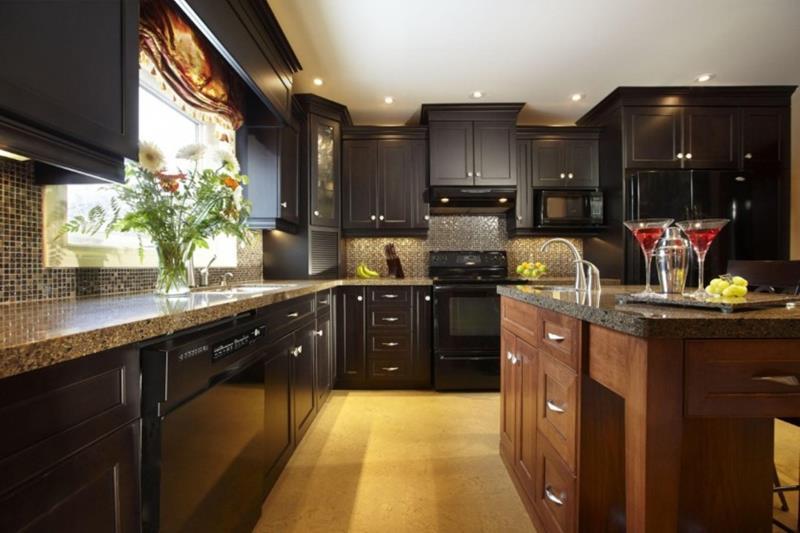 20 Beautiful Kitchens with Dark Kitchen Cabinets Design-12