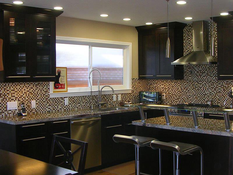 20 Beautiful Kitchens with Dark Kitchen Cabinets Design-17