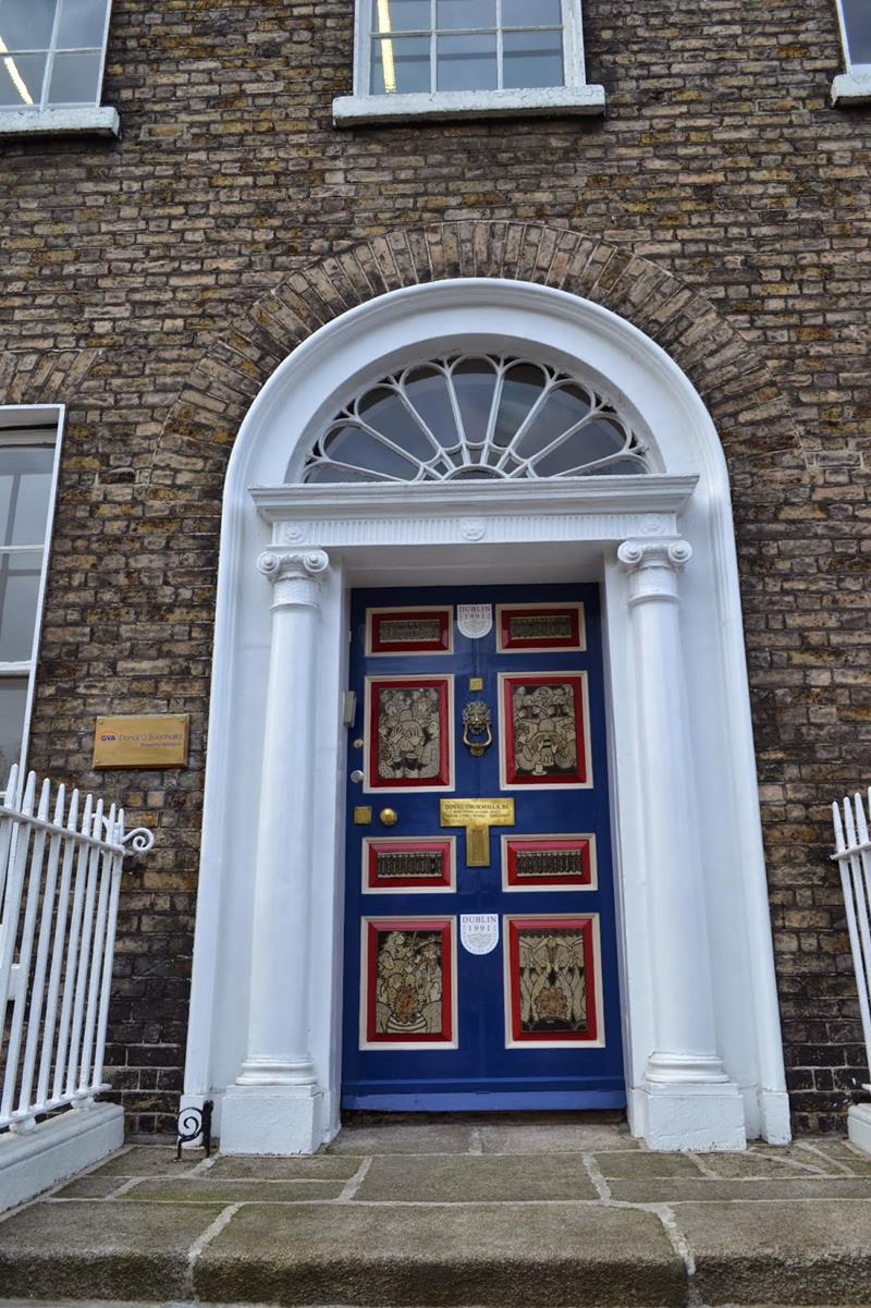 21 Cool Front Door Designs For Houses-12