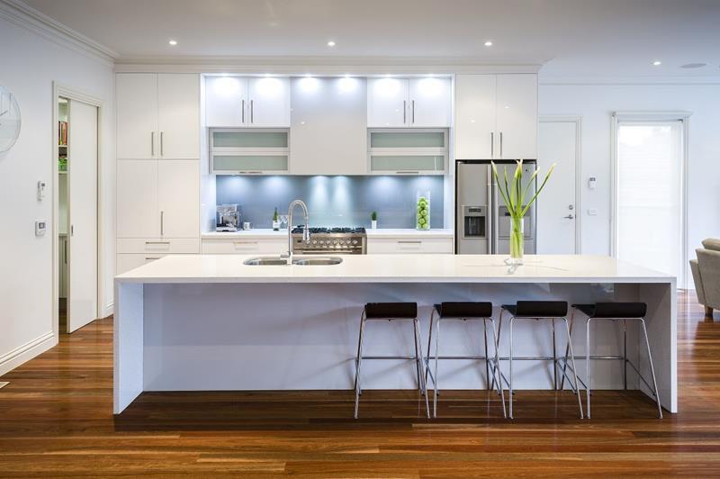 40 Pristine And White Home Kitchens-37