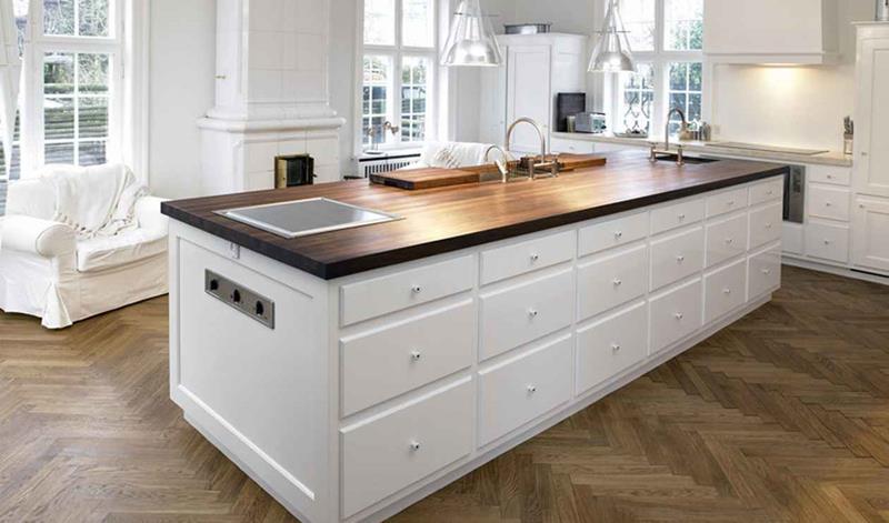 40 Pristine And White Home Kitchens-7