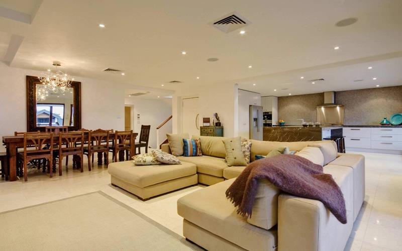 67 Gorgeous Family Room Interior Designs-1