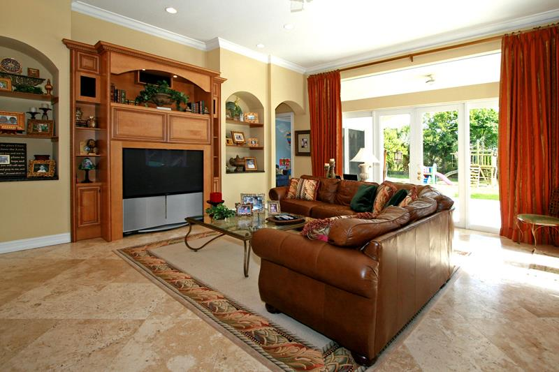 67 Gorgeous Family Room Interior Designs-15