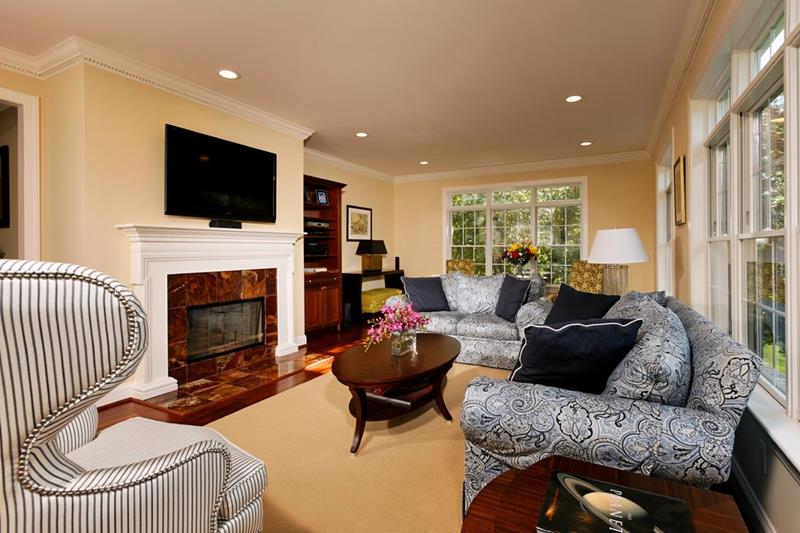 67 Gorgeous Family Room Interior Designs-31