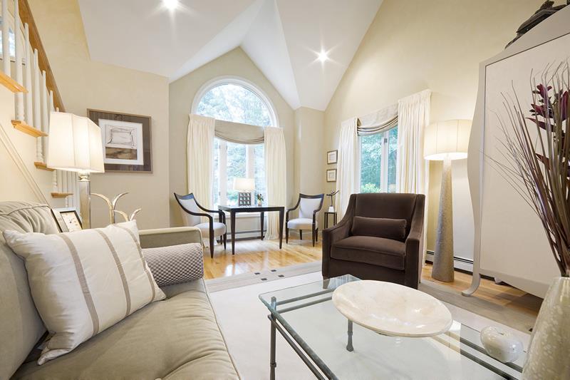 67 Gorgeous Family Room Interior Designs-51