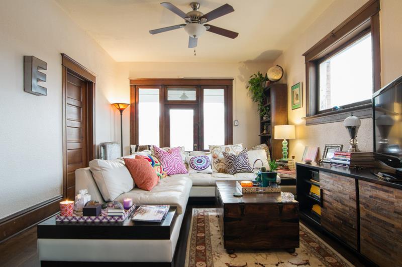 67 Gorgeous Family Room Interior Designs-53