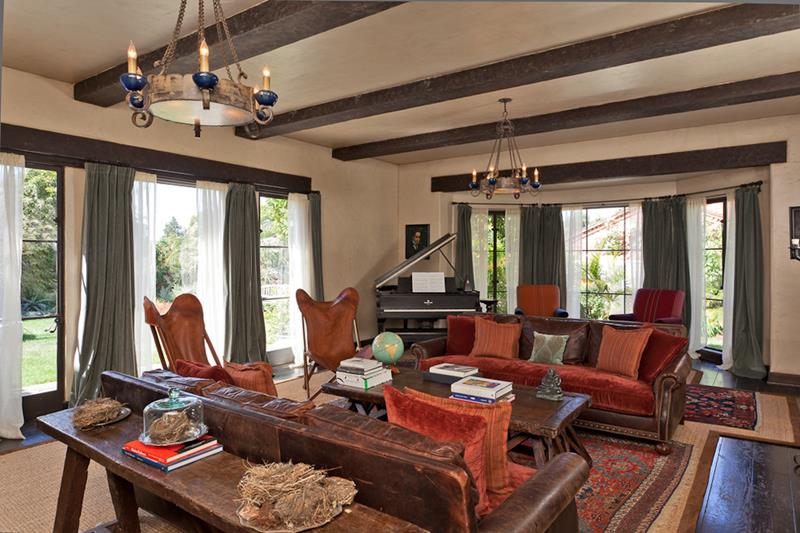 68 Interior Designs For Grand Living Rooms-64