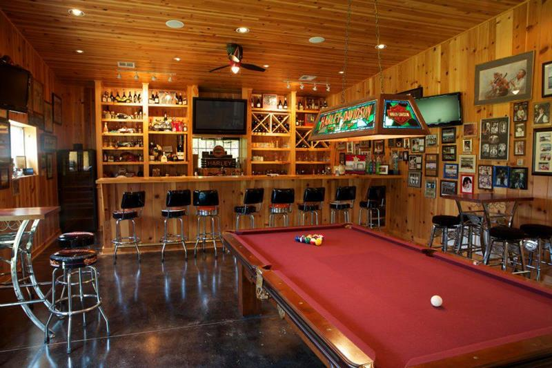 70 Awesome Man Caves In Finished Basements And Elsewhere-16