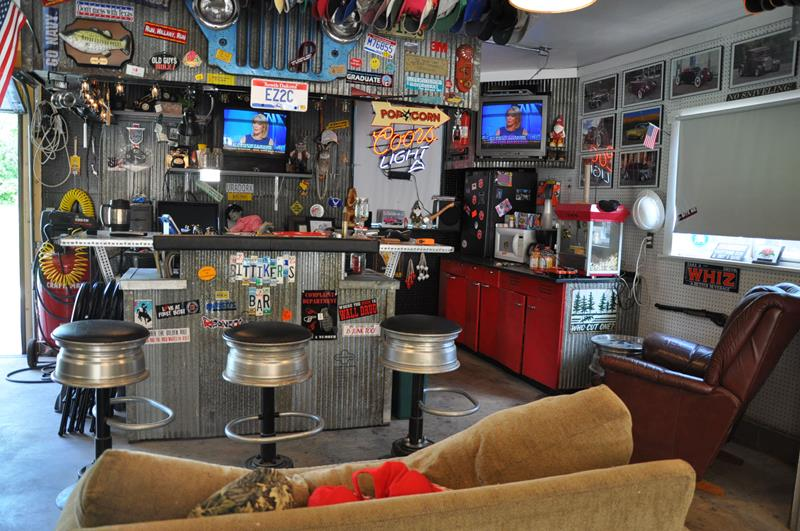 70 Awesome Man Caves In Finished Basements And Elsewhere-19