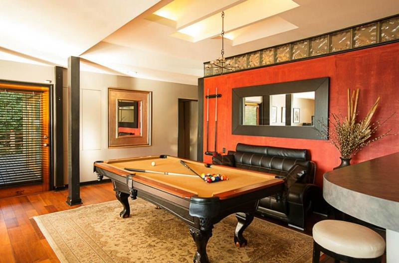 70 Awesome Man Caves In Finished Basements And Elsewhere-40