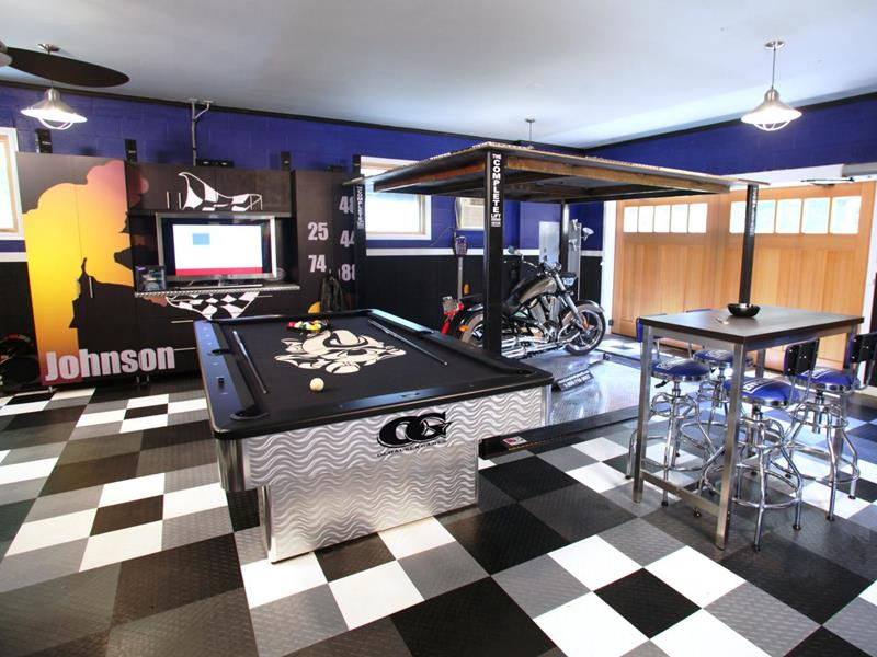 70 Awesome Man Caves In Finished Basements And Elsewhere-44