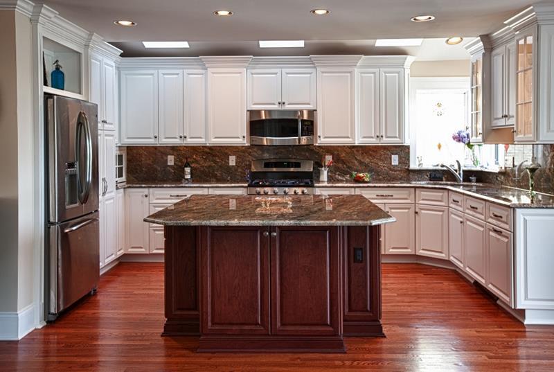 72 Luxurious Custom Kitchen Island Designs-42