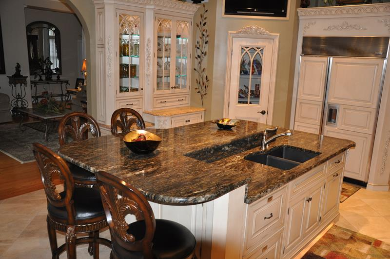 72 Luxurious Custom Kitchen Island Designs-67
