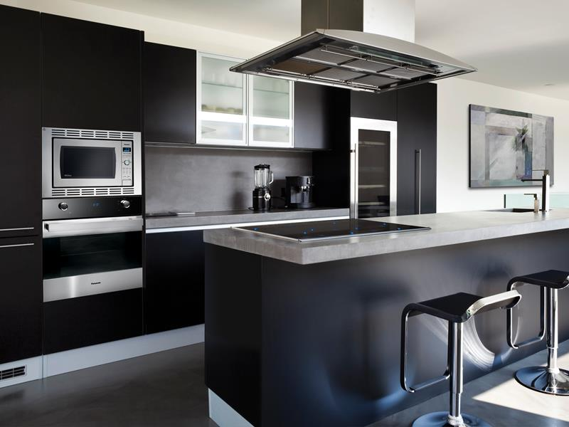 23 Beautiful Kitchen Designs With Black Cabinets-16