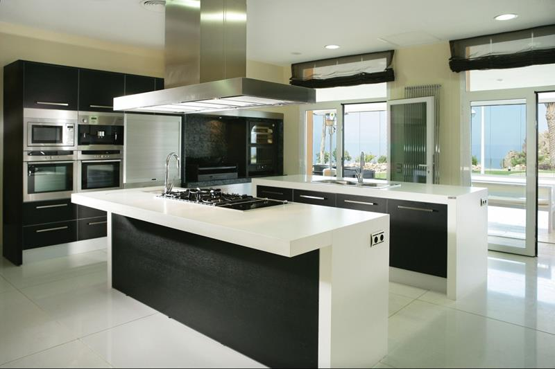 23 Beautiful Kitchen Designs With Black Cabinets-23