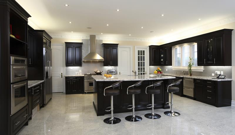 23 Beautiful Kitchen Designs With Black Cabinets-3