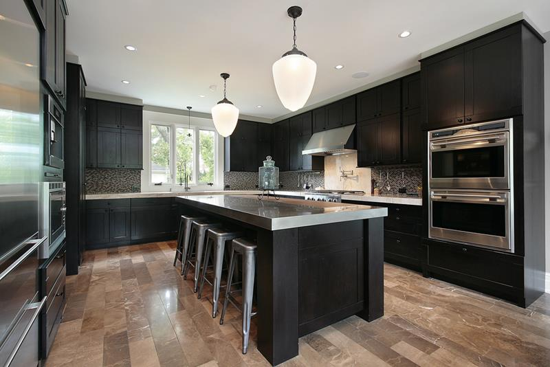 23 Beautiful Kitchen Designs With Black Cabinets-4
