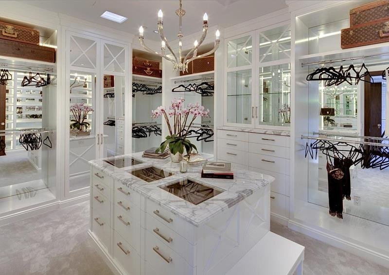24 Jaw Dropping Walk In Closet Designs-16