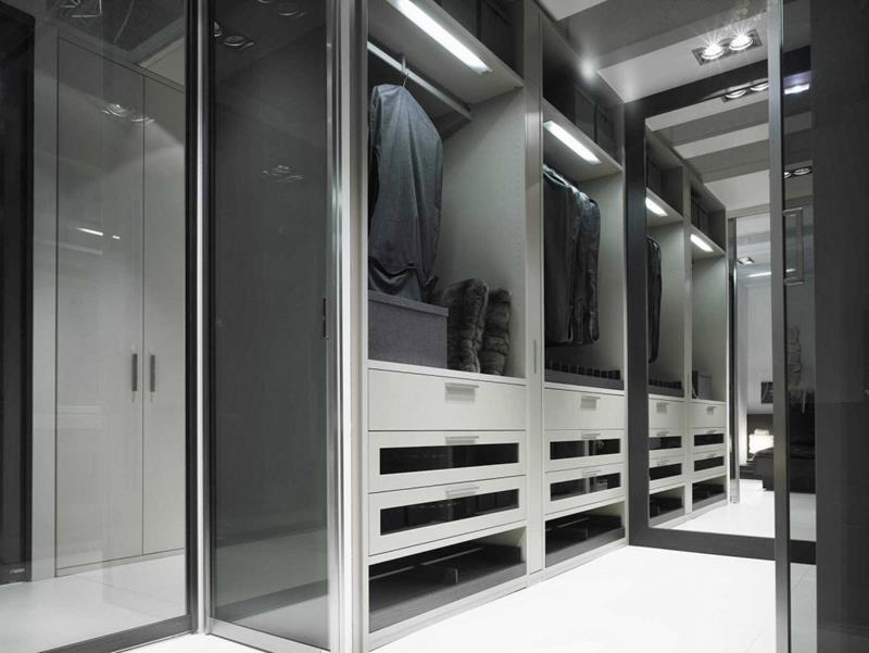 24 Jaw Dropping Walk In Closet Designs-17