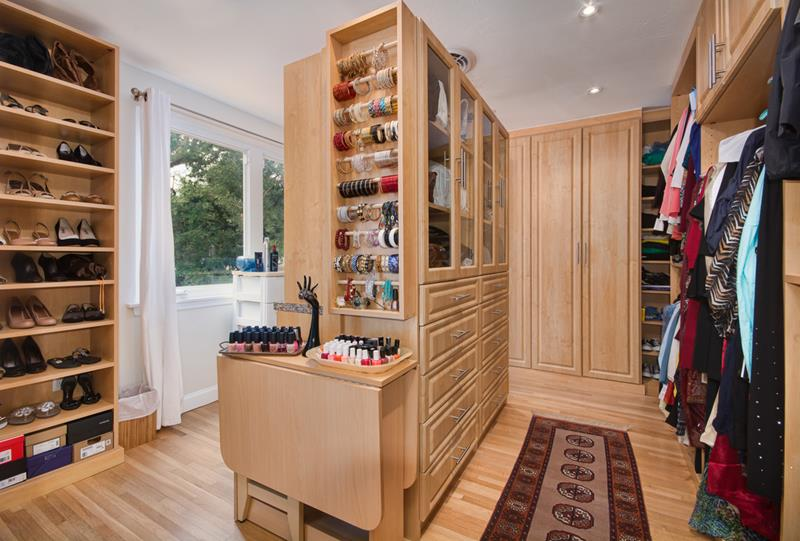 24 Jaw Dropping Walk In Closet Designs-20