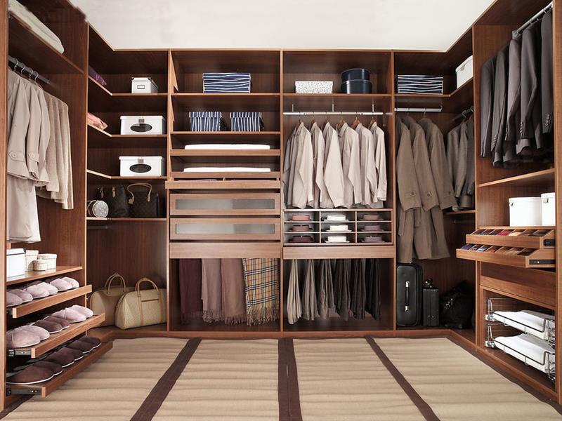 24 Jaw Dropping Walk In Closet Designs-title