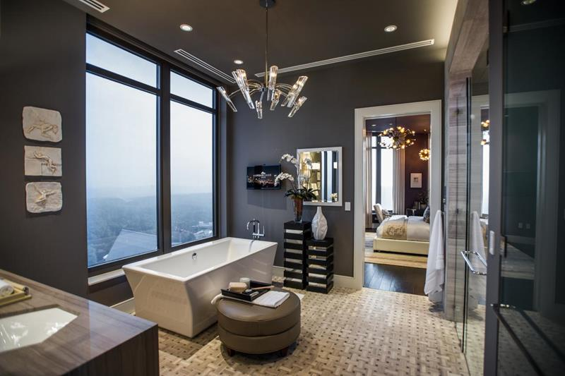 24 Luxury Master Bathrooms With Soaking Tubs-15