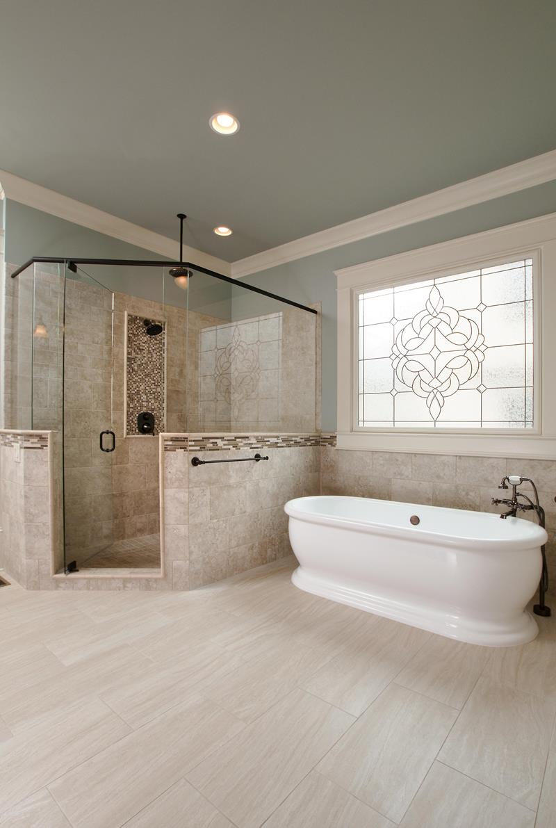 24 Luxury Master Bathrooms With Soaking Tubs-4
