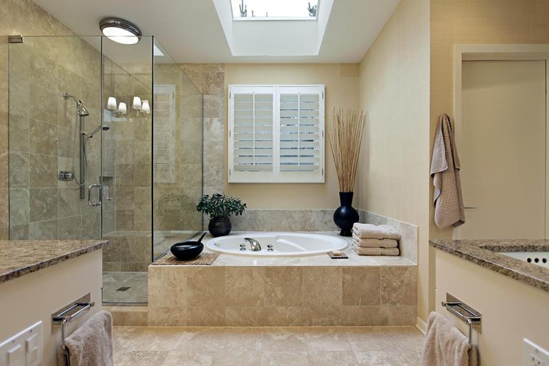 24 Luxury Master Bathrooms With Soaking Tubs-5