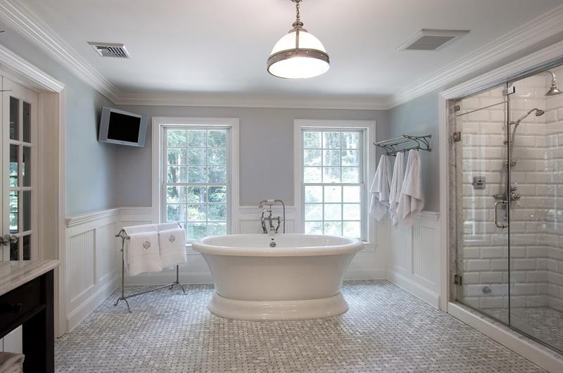24 Luxury Master Bathrooms With Soaking Tubs-title