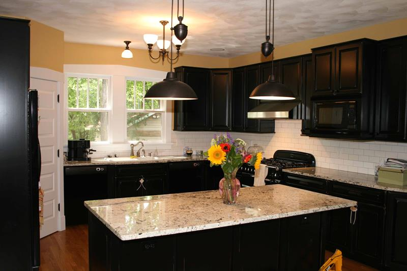 25 Stunning Kitchen Color Schemes-20