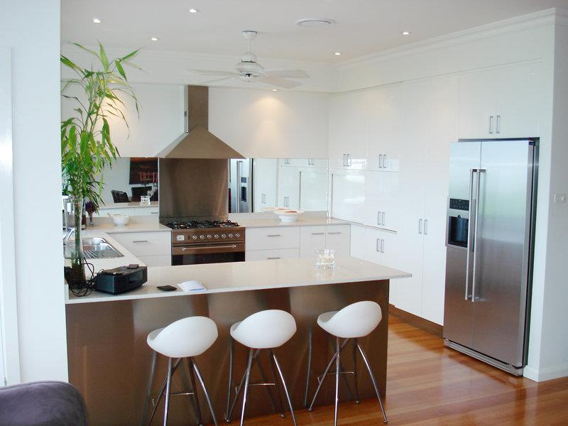 52 U Shaped Kitchen Designs With Style-12
