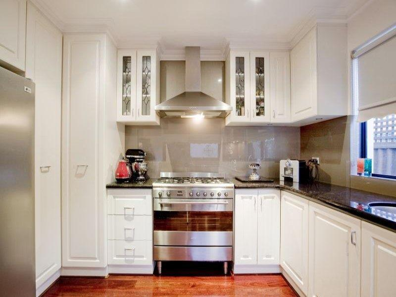 52 U Shaped Kitchen Designs With Style-29