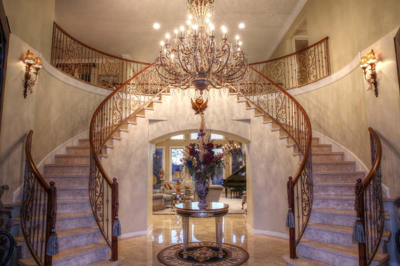 56 Beautiful And Luxurious Foyer Designs-12