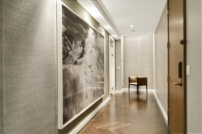56 Beautiful And Luxurious Foyer Designs-34