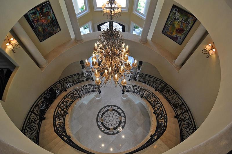 56 Beautiful And Luxurious Foyer Designs-41