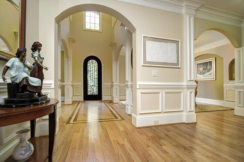 56 Beautiful And Luxurious Foyer Designs-45