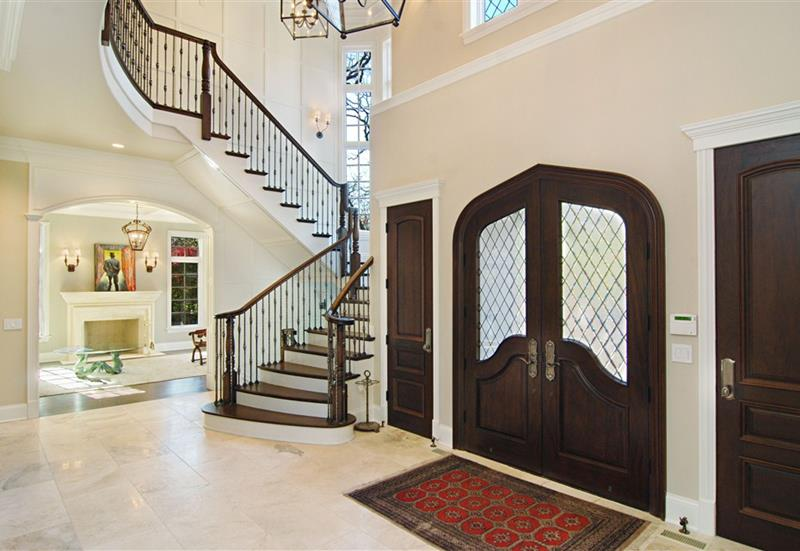 56 Beautiful And Luxurious Foyer Designs-47