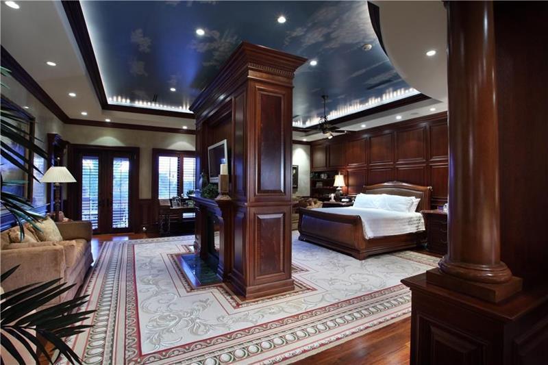 70 Custom Master Bedrooms-1