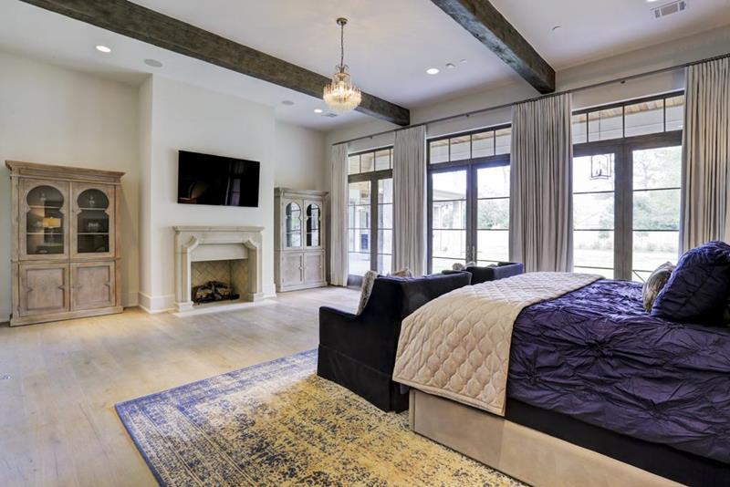 70 Custom Master Bedrooms-20