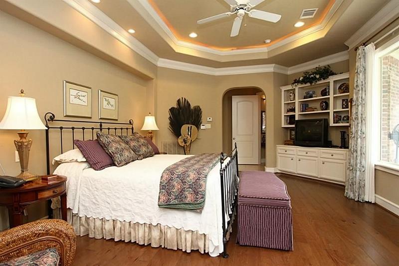 70 Custom Master Bedrooms-41