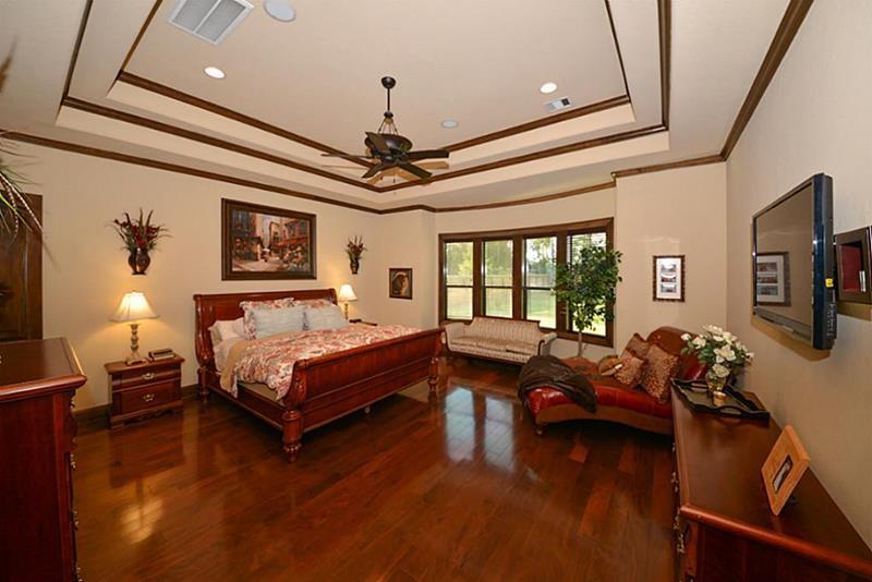 70 Custom Master Bedrooms-68