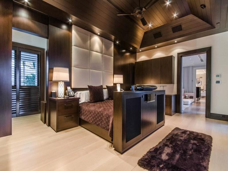 70 Custom Master Bedrooms-9