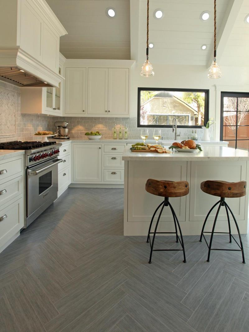 22 Stunning Kitchens With Tile Floors-13