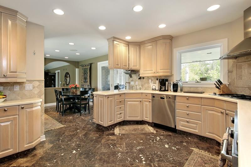22 Stunning Kitchens With Tile Floors-17