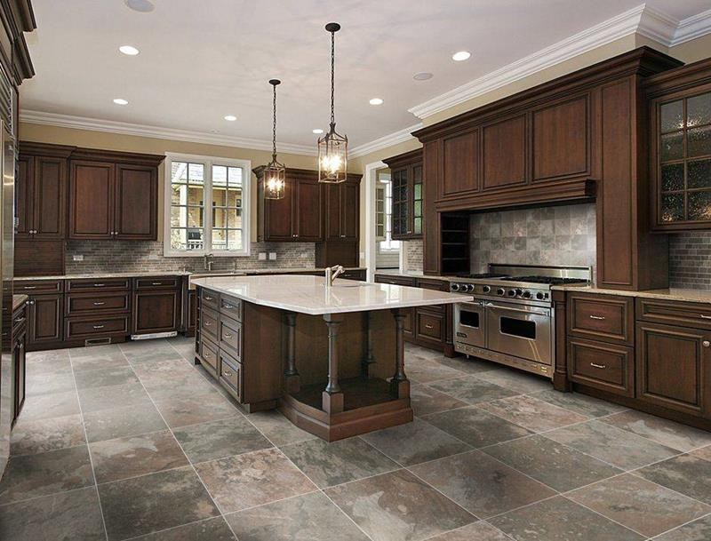 22 Stunning Kitchens With Tile Floors-title