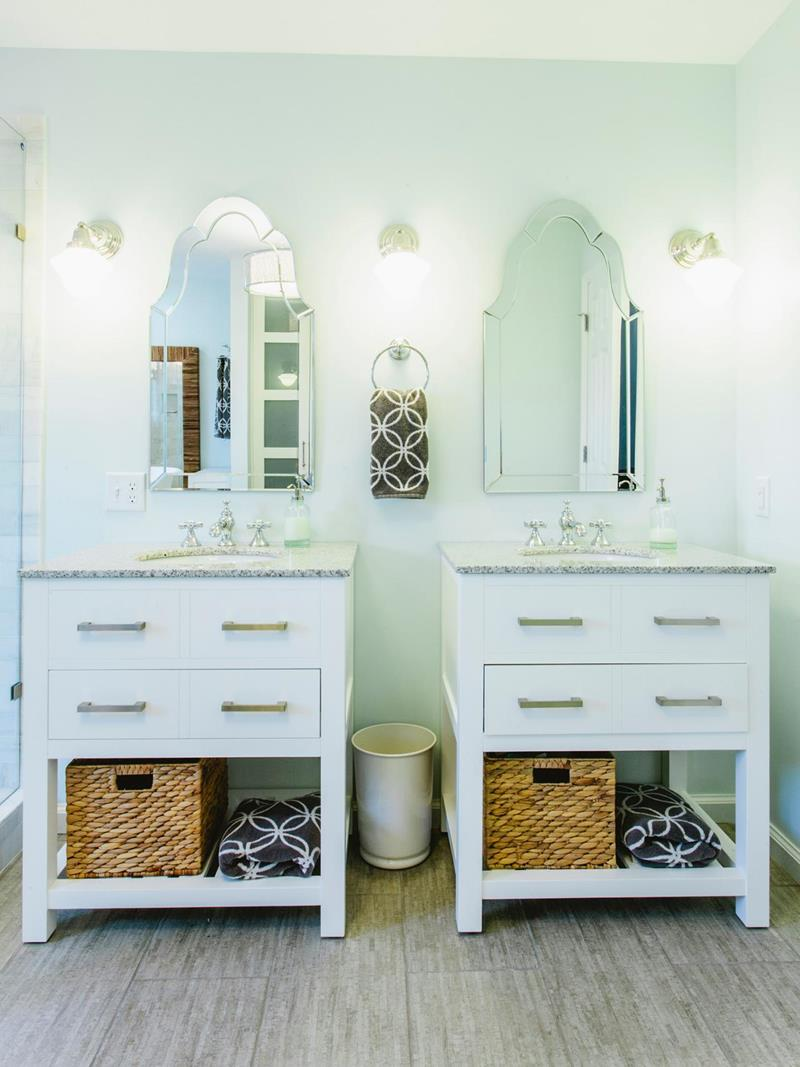 23 Master Bathrooms With Two Vanities-12