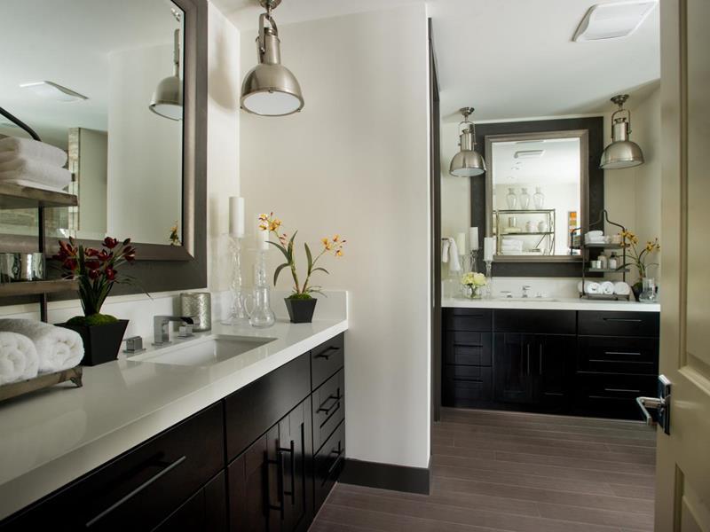 23 Master Bathrooms With Two Vanities-13
