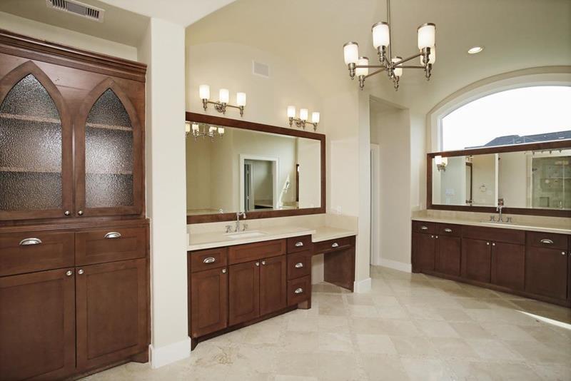 23 Master Bathrooms With Two Vanities-17