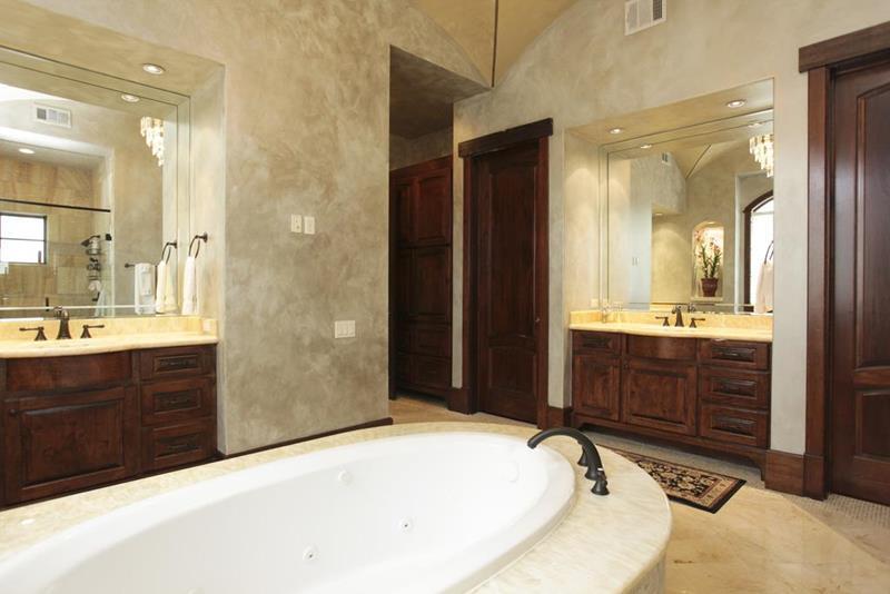 23 Master Bathrooms With Two Vanities-18