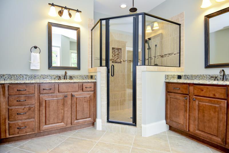 23 Master Bathrooms With Two Vanities-22